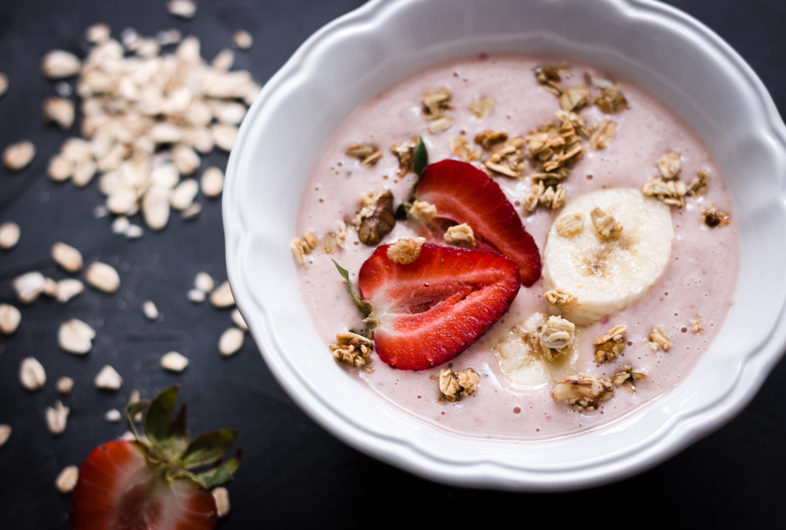 Chunky Strawberry Smoothie Bowl