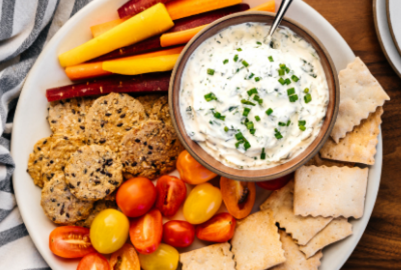 Easy Creamy Garlic Herb Dip